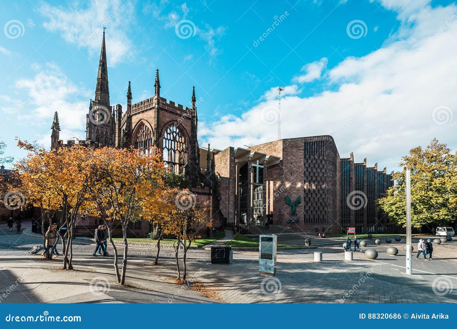 Iglesia de la catedral de San Miguel en Coventry, Inglaterra