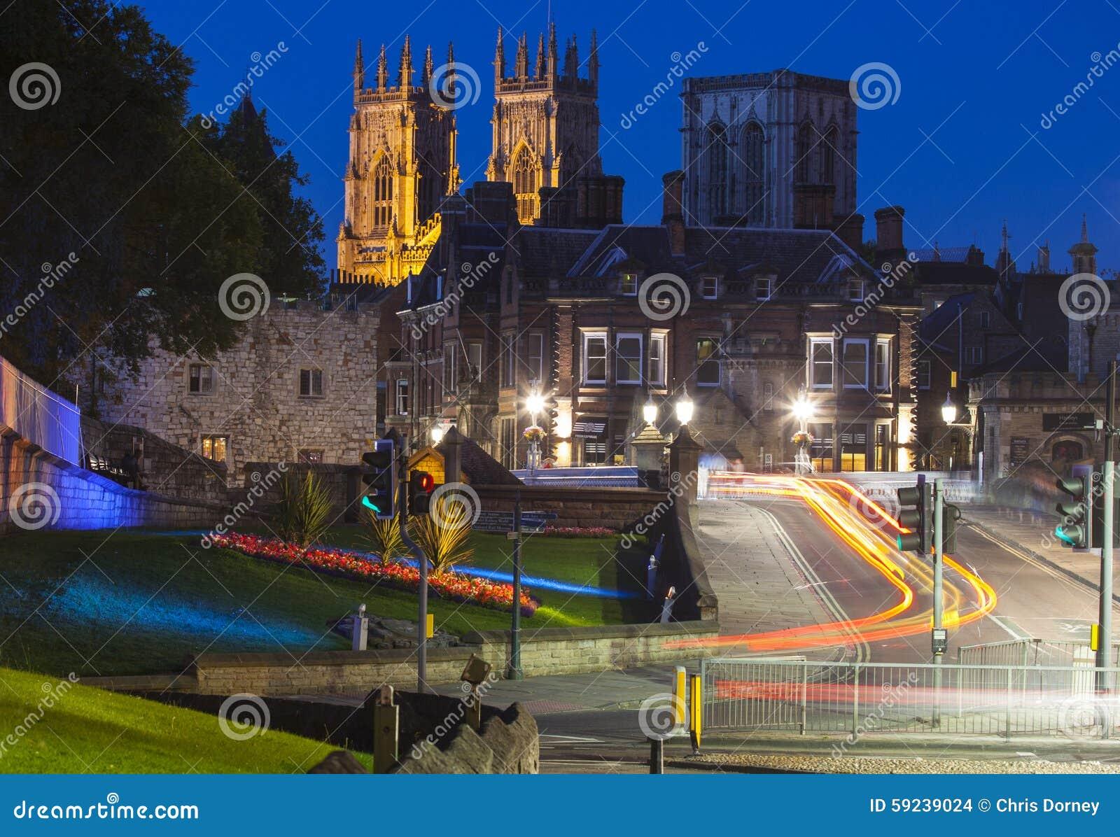 Download Iglesia De Monasterio De York En La Oscuridad Foto de archivo - Imagen de britain, reino: 59239024