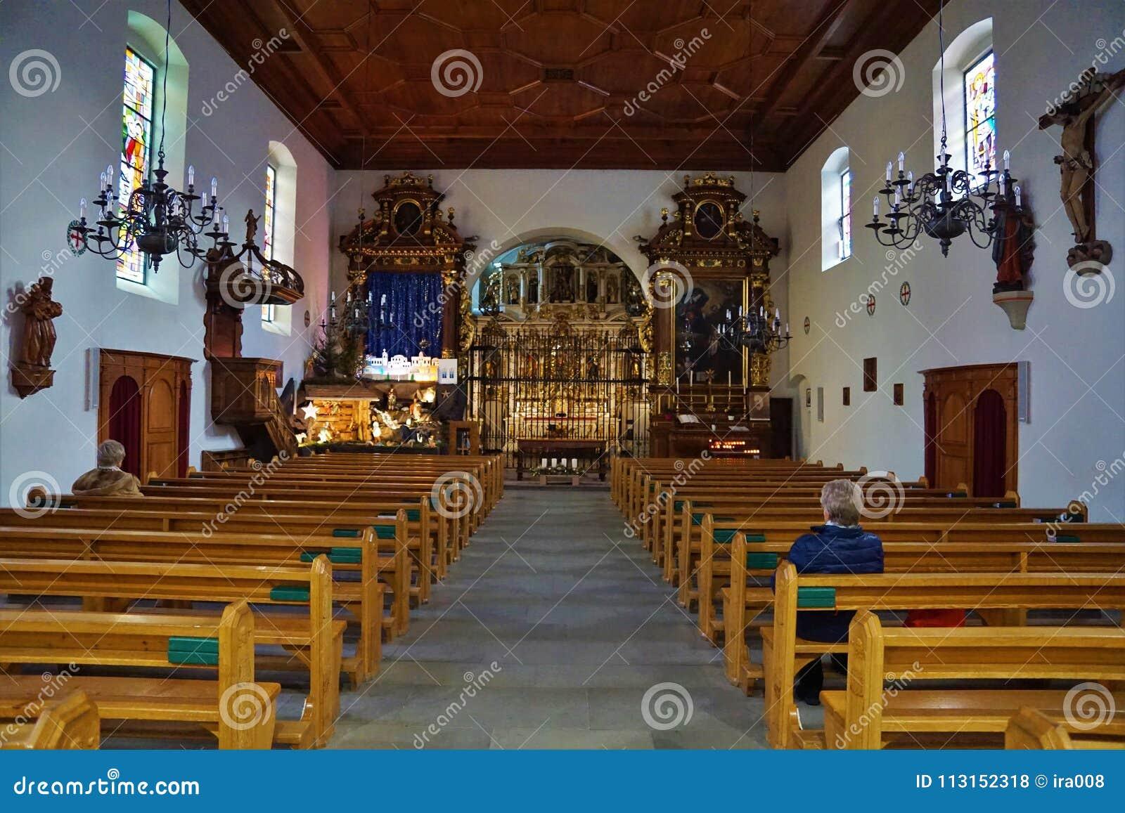 Iglesia en bulle en gruyere en Suiza del sur