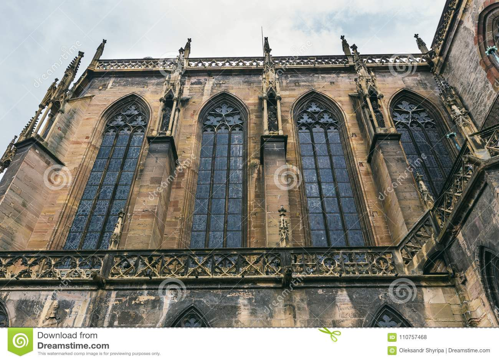 Iglesia en el pueblo de Colmar