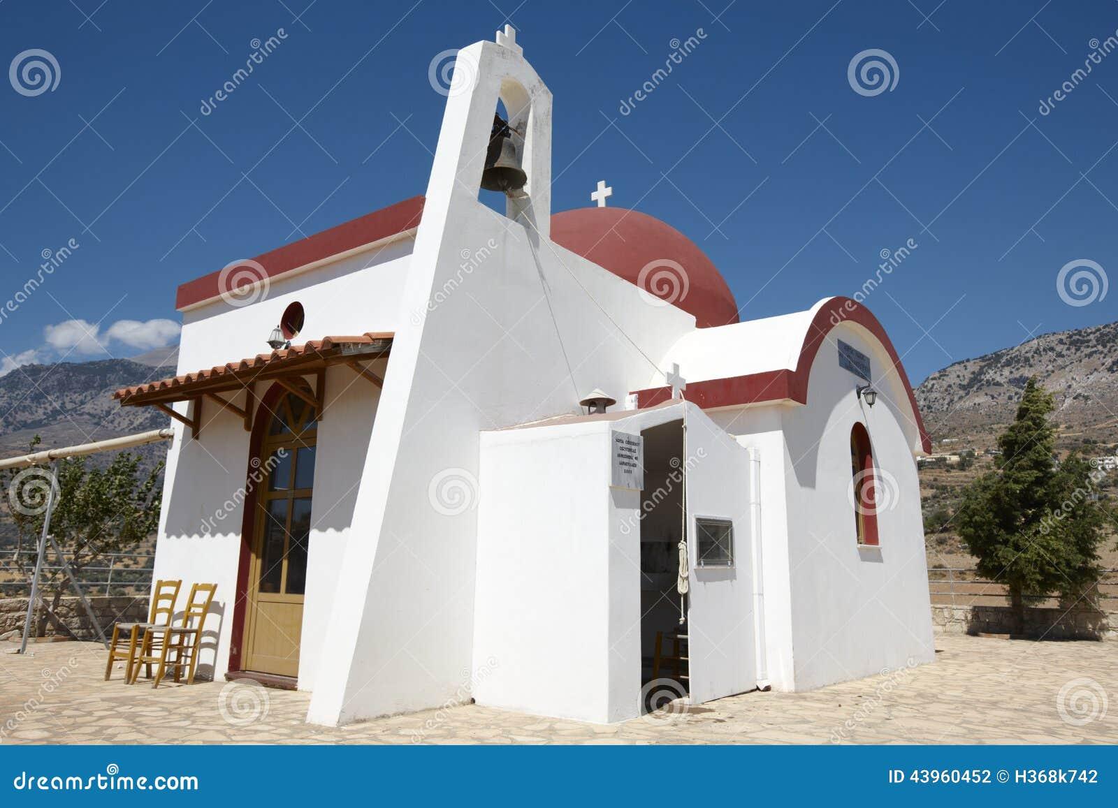 Iglesia griega tradicional en el valle de Amari crete Grecia