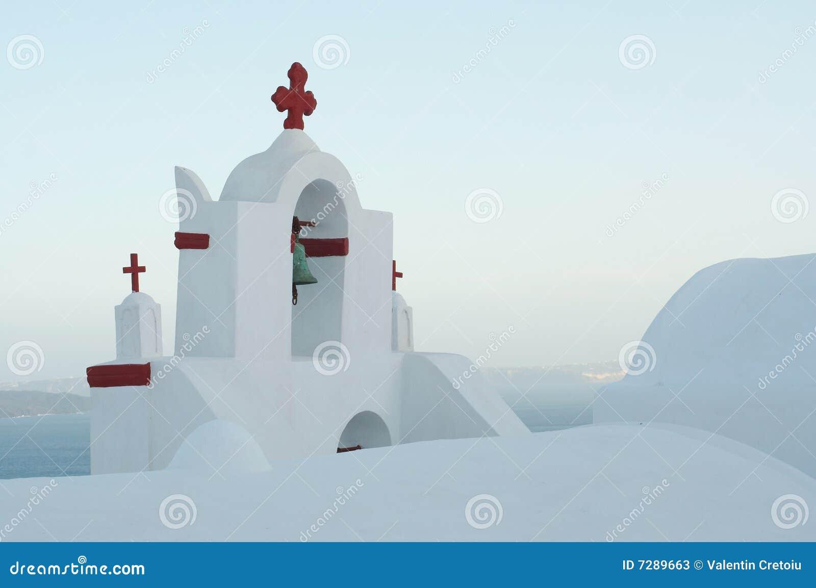 Iglesia simple, con todo perfecta en las islas griegas