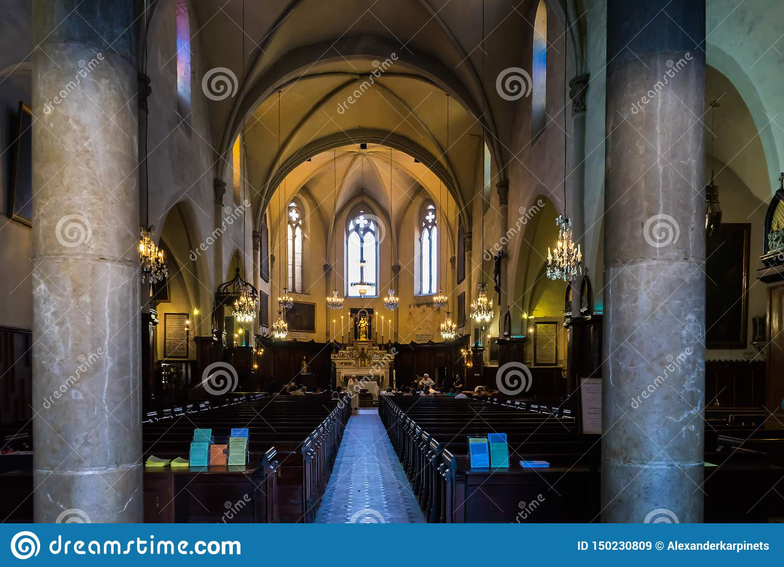 Igreja Católica de Cannes
