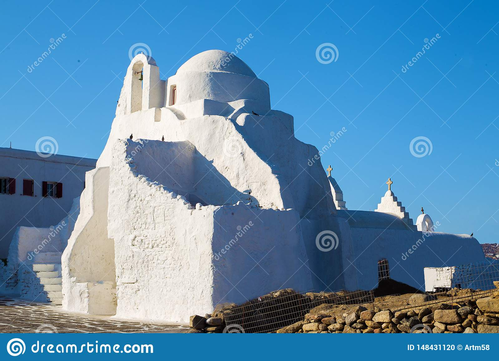 Igreja cristã pequena na ilha grega