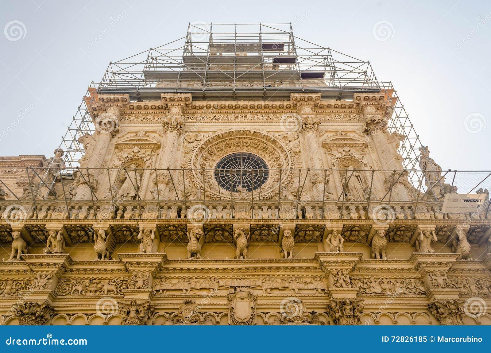 Igreja da cruz santamente, fachada Lecce, Itália