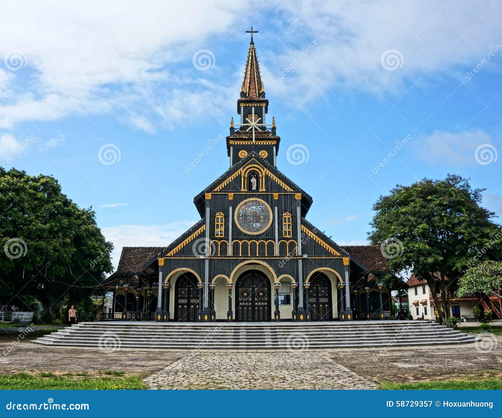 Igreja de madeira de Kontum, catedral antiga, herança