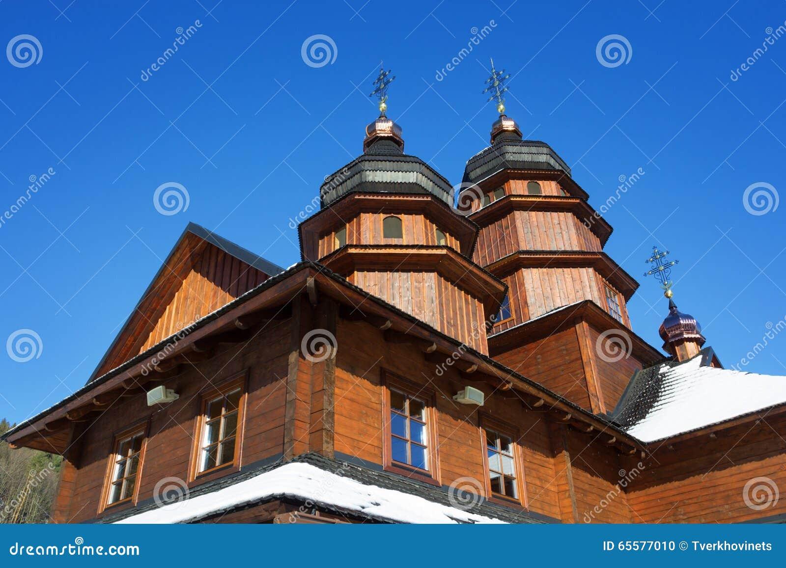 Igreja de madeira em Ivano-Frankivsk