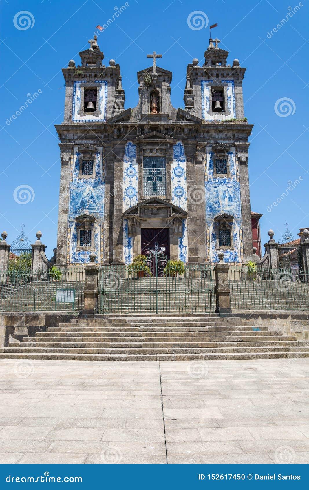 Igreja de Santo Ildefonso Telhas tradicionais