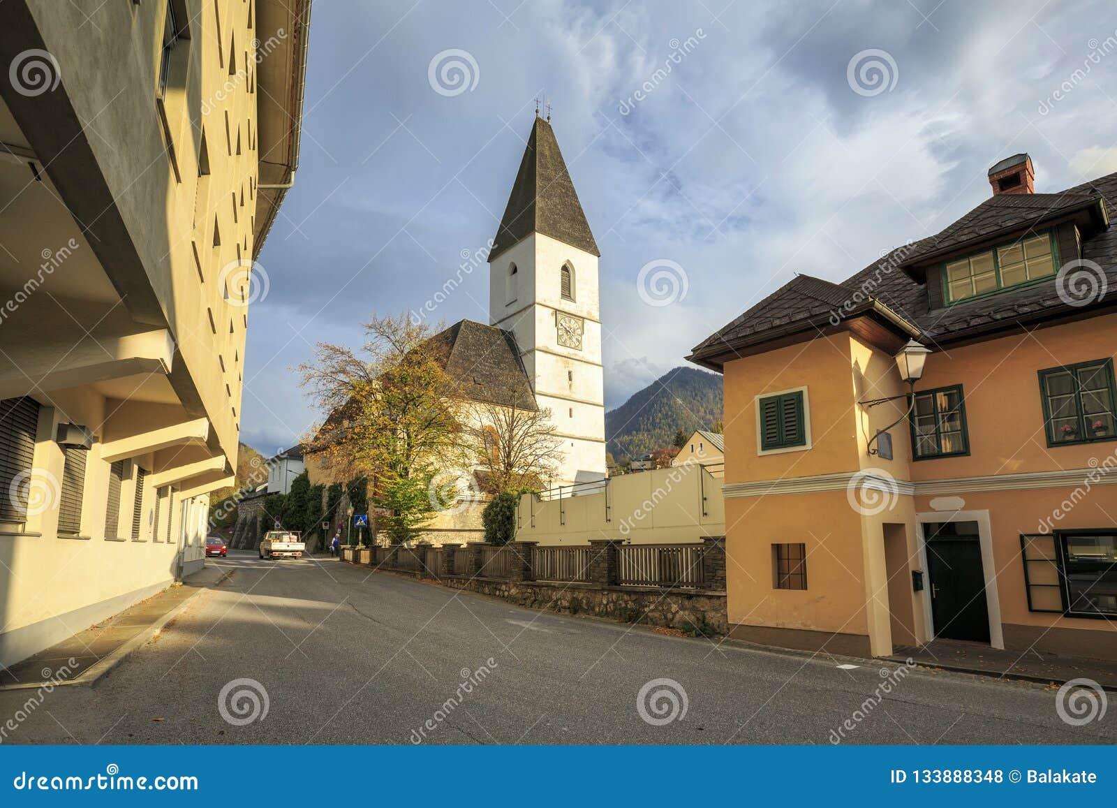 Igreja de St Paul do século XIII Aussee mau, Styria, Áustria