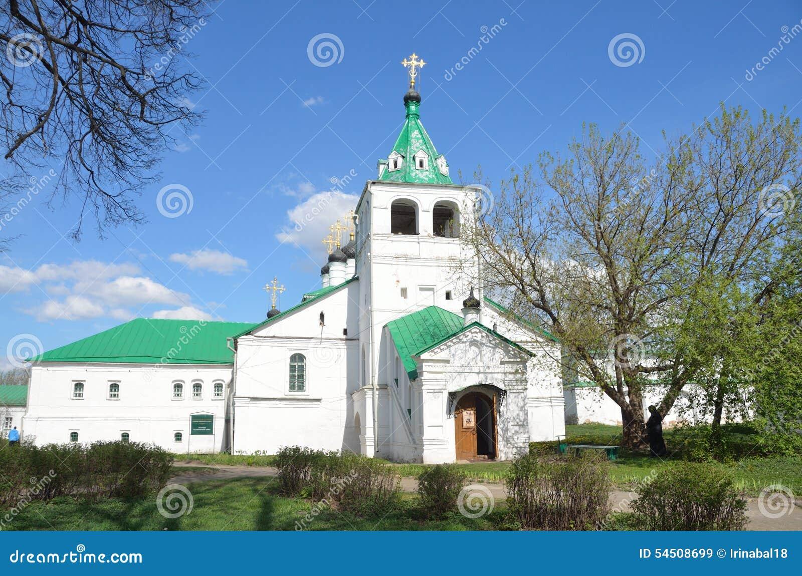 Igreja de Uspenskaya em Aleksandrovskaya Sloboda, região de Vladimir, anel dourado de Rússia