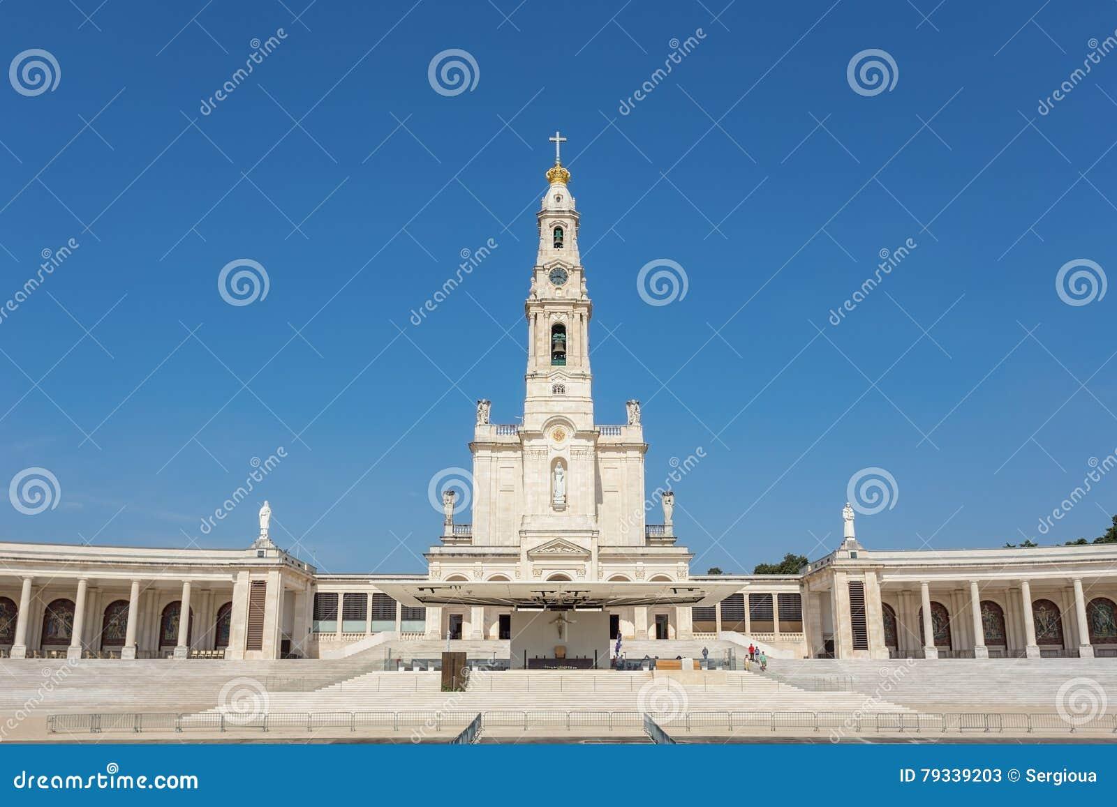 Igreja do santuário em Fatima Portugal