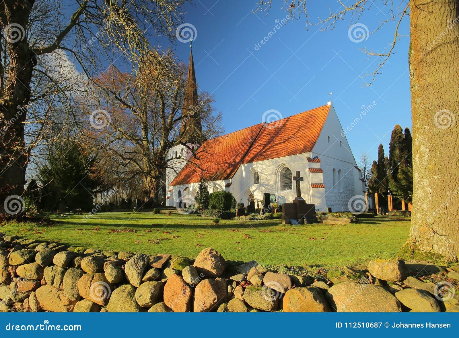 Igreja em Bisdorf bruto, Meclemburgo-Pomerania, Alemanha