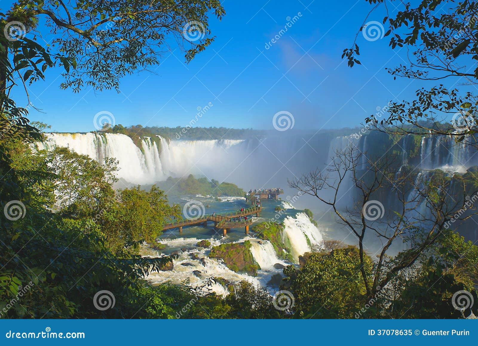 Download Iguazu siklawy obraz stock. Obraz złożonej z turystyka - 37078635