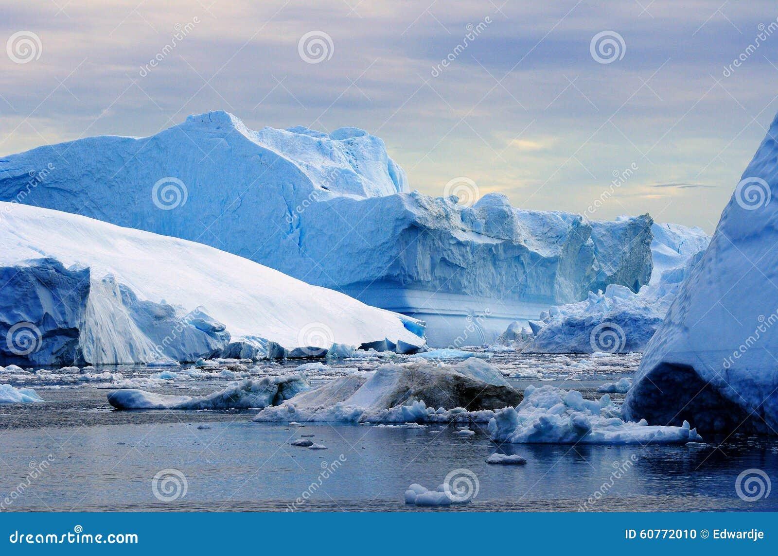 Ijsbergen in Groenland 22