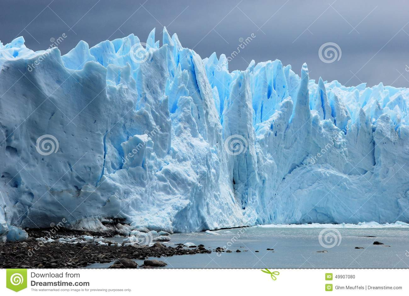 Ijzig die ijs Perito Moreno Glacier van Argentino Lake - Argentinië wordt gezien