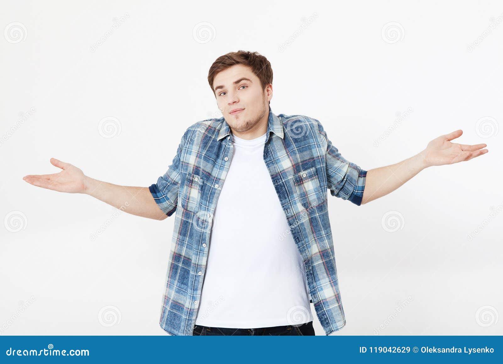 Ik trek `t het weet aan Jonge die mens op grijze achtergrond wordt geïsoleerd De ruimte van het exemplaar Spot omhoog Geen keus O