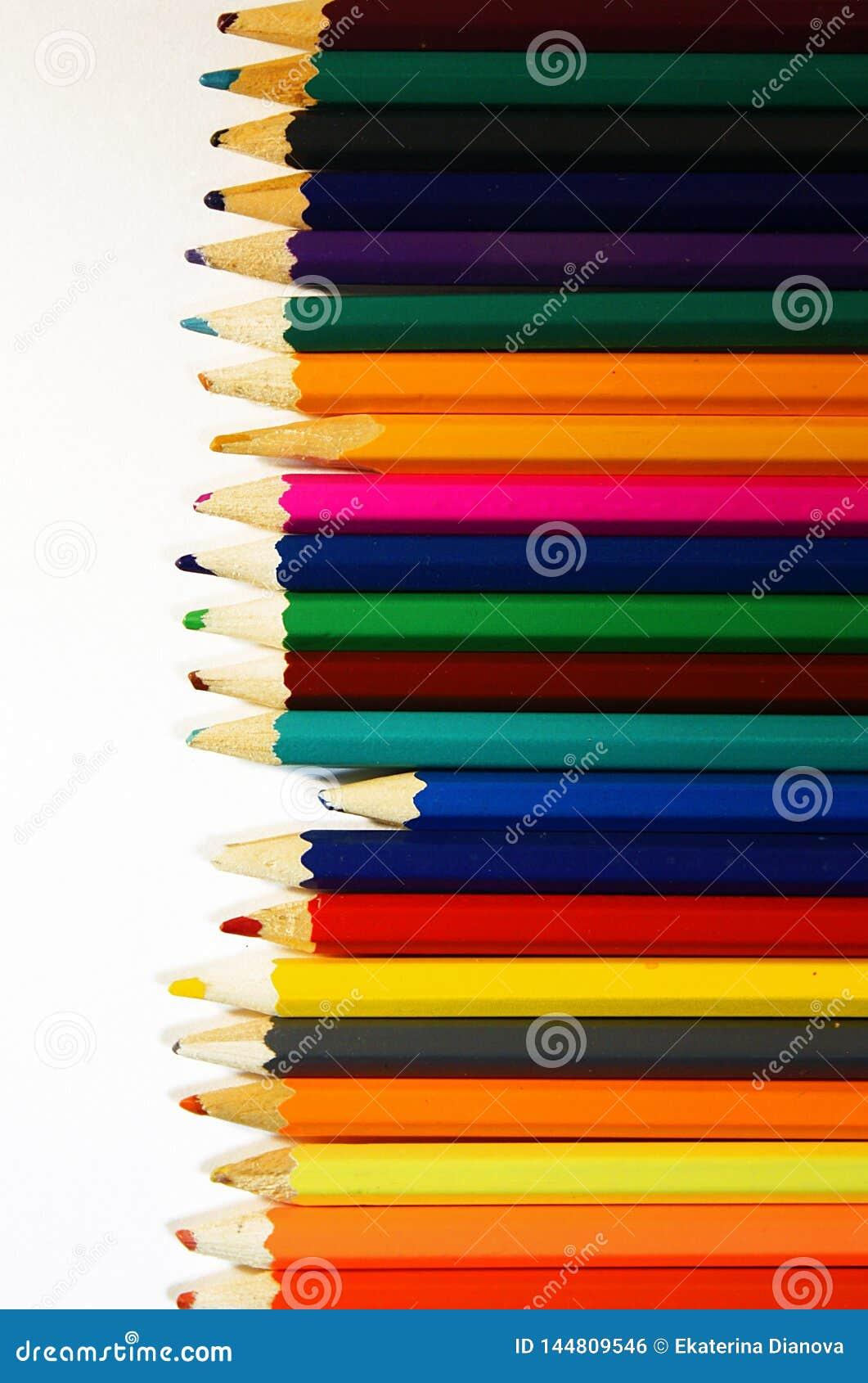 Il ¡ di Ð olored le matite sul Libro Bianco