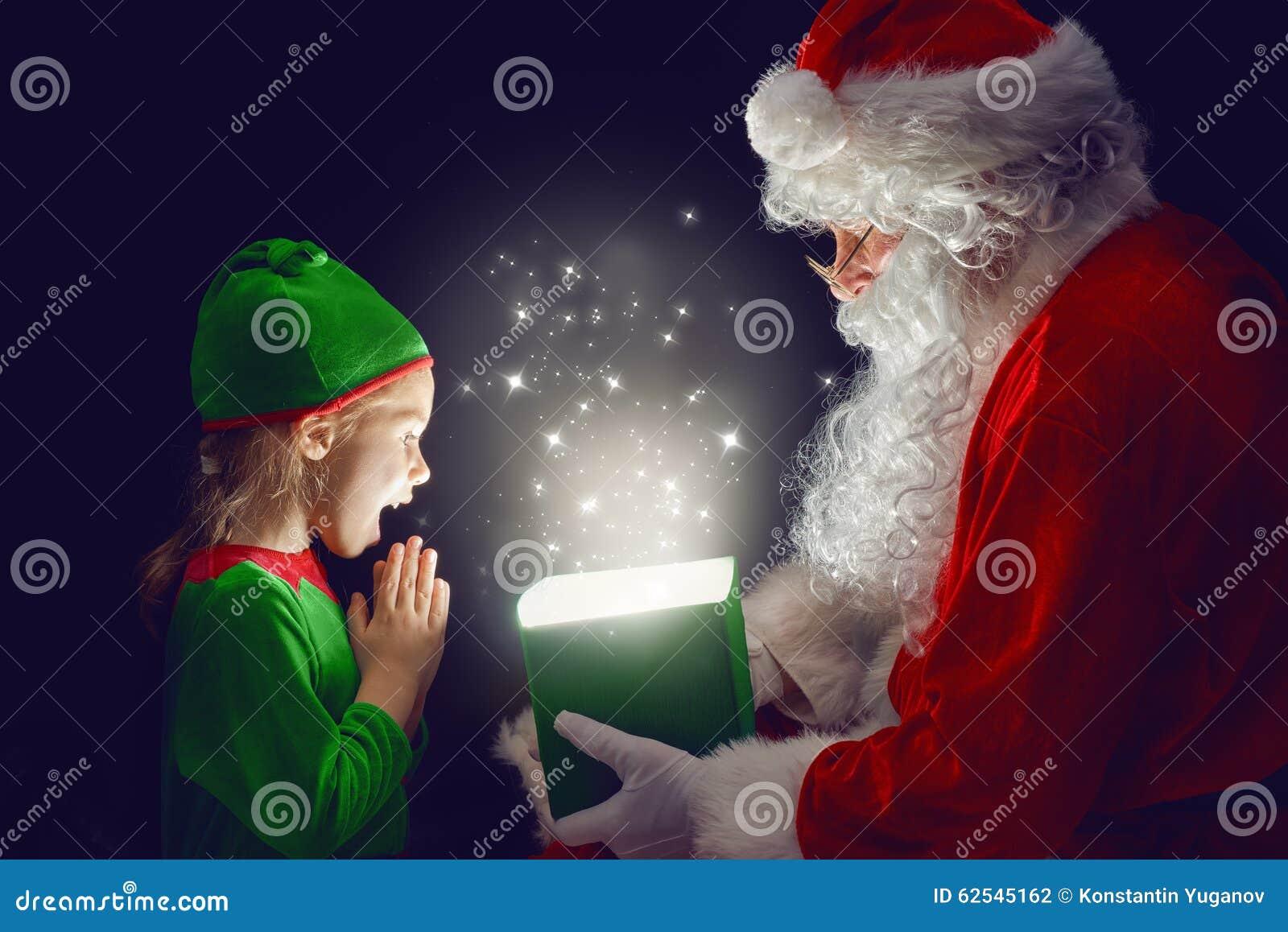 Il Babbo Natale e bambina