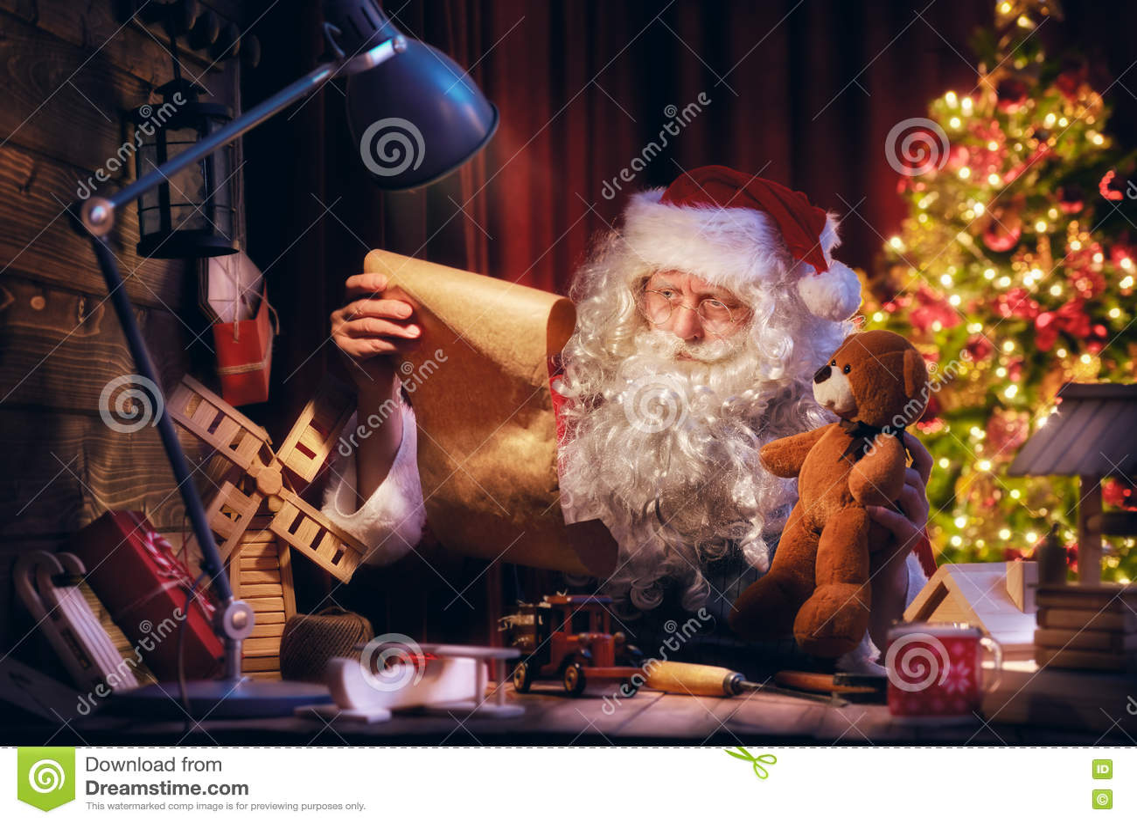 Buon Natale Freestyle Download.Il Babbo Natale Sta Preparando I Regali Immagine Stock