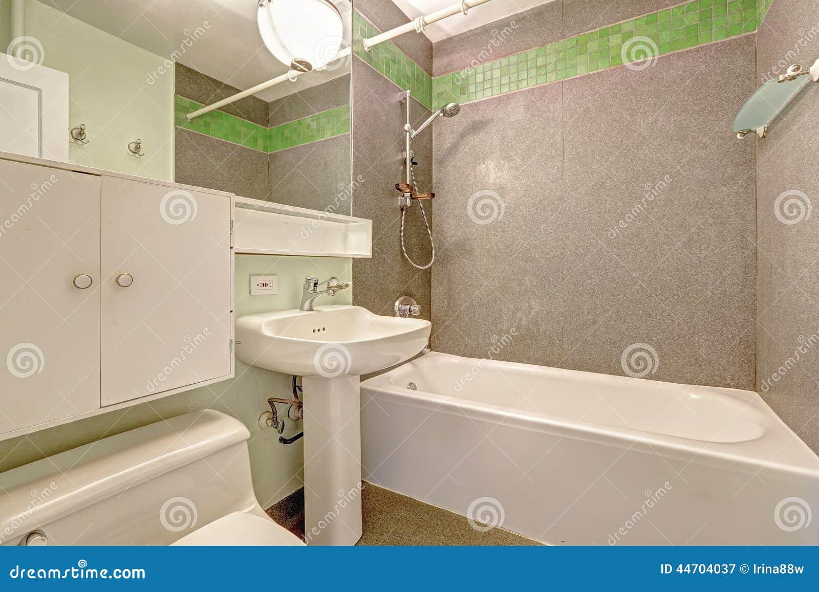 Smalto per piastrelle bagno stunning kit smalto per - Smalti idrorepellenti per bagno ...