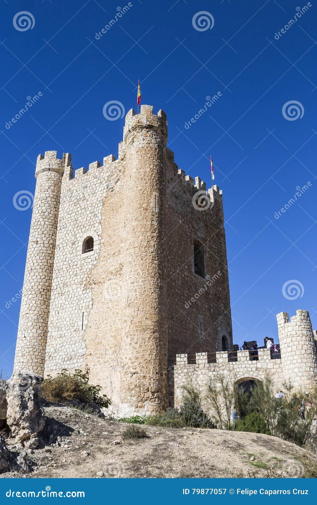 Il castello dell origine del Almohad del secolo XII, contiene Alcala della t