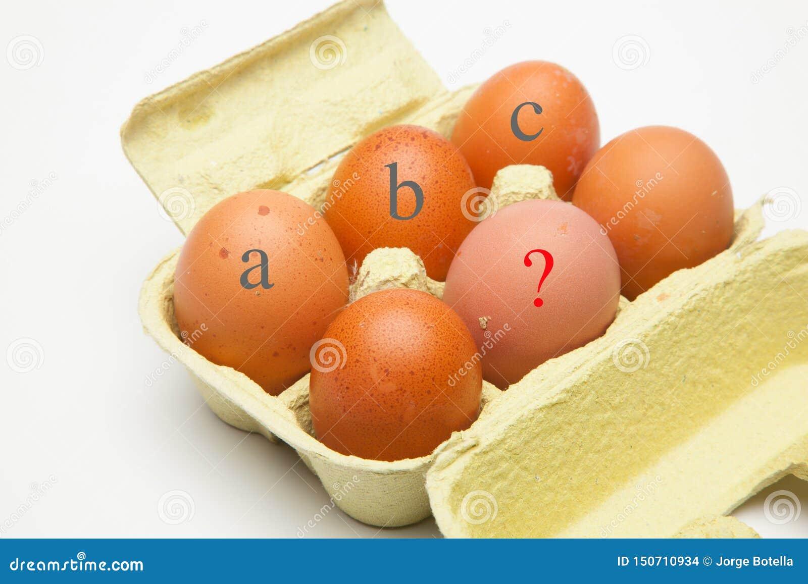 Il chickHalf fresco un dozzina polli freschi eggsen le uova