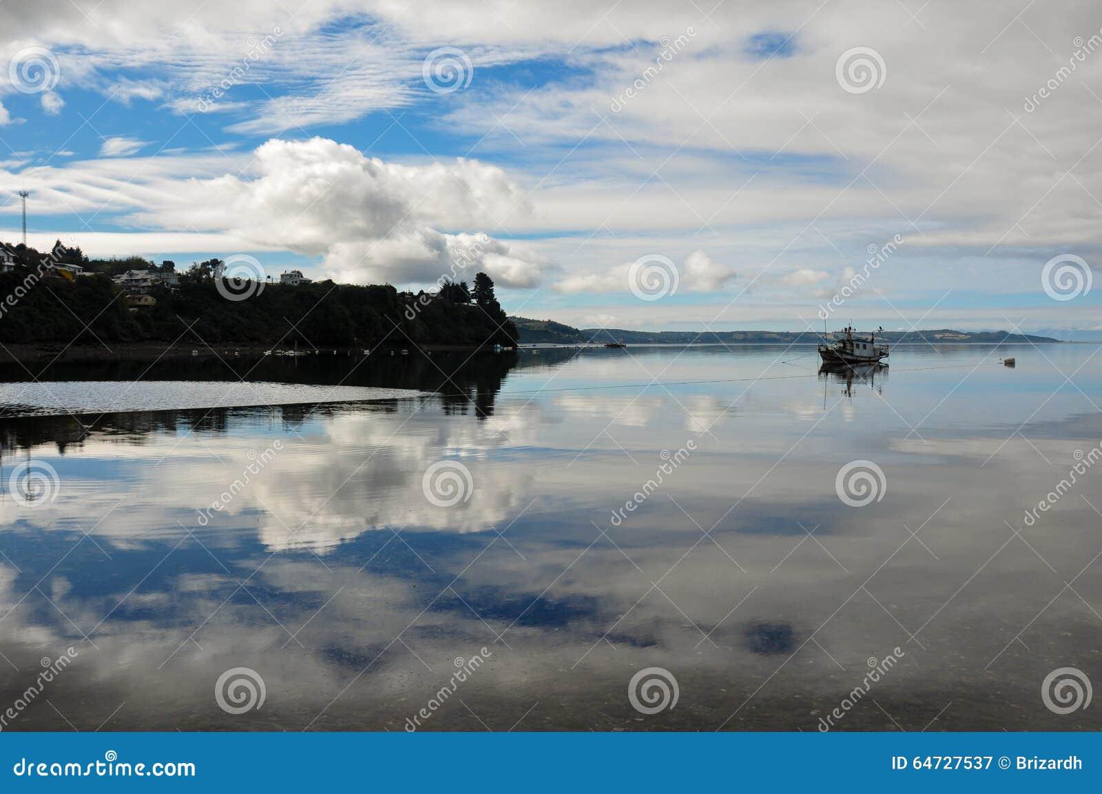 Il cielo del pescatore, isola di Chiloe, Cile