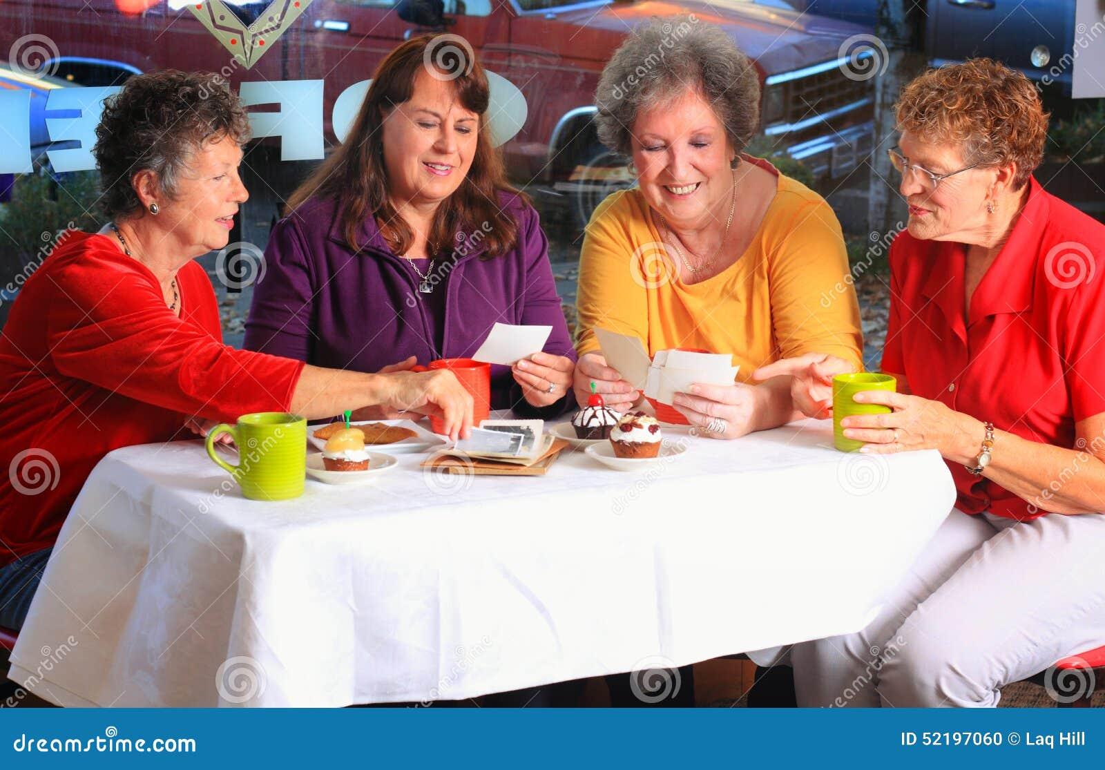 Il club del caffè divide le immagini