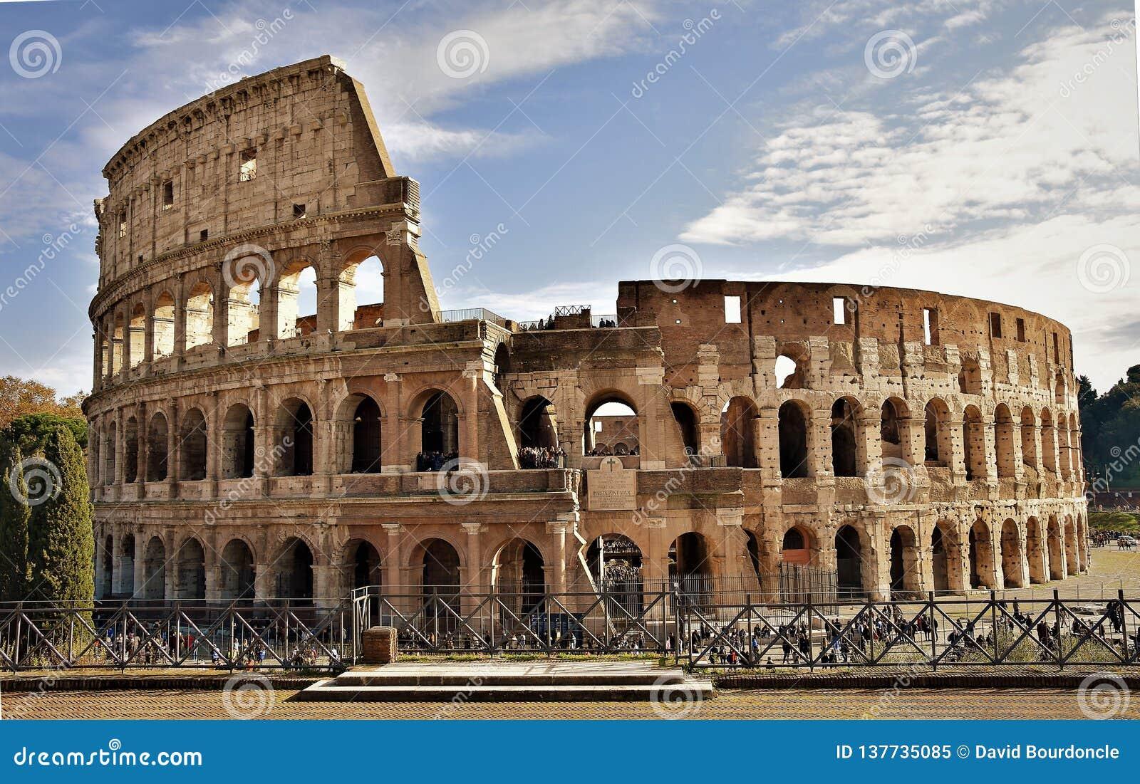 Il colosseo romano, Italia
