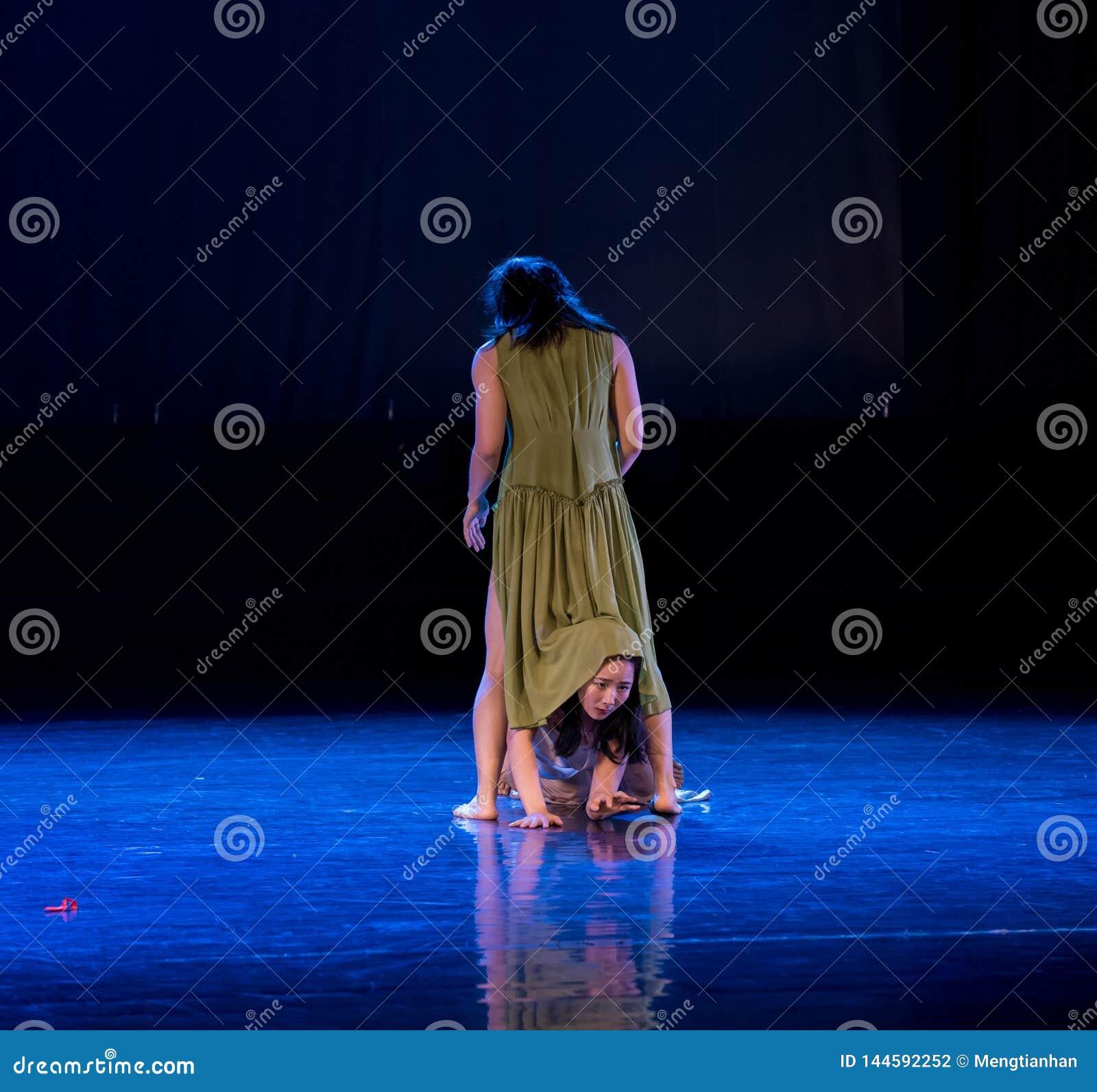 Il combattimento 3-Act 5 delle donne: Nessuna parte per disporre ballo gioventù-moderno Dreamlan