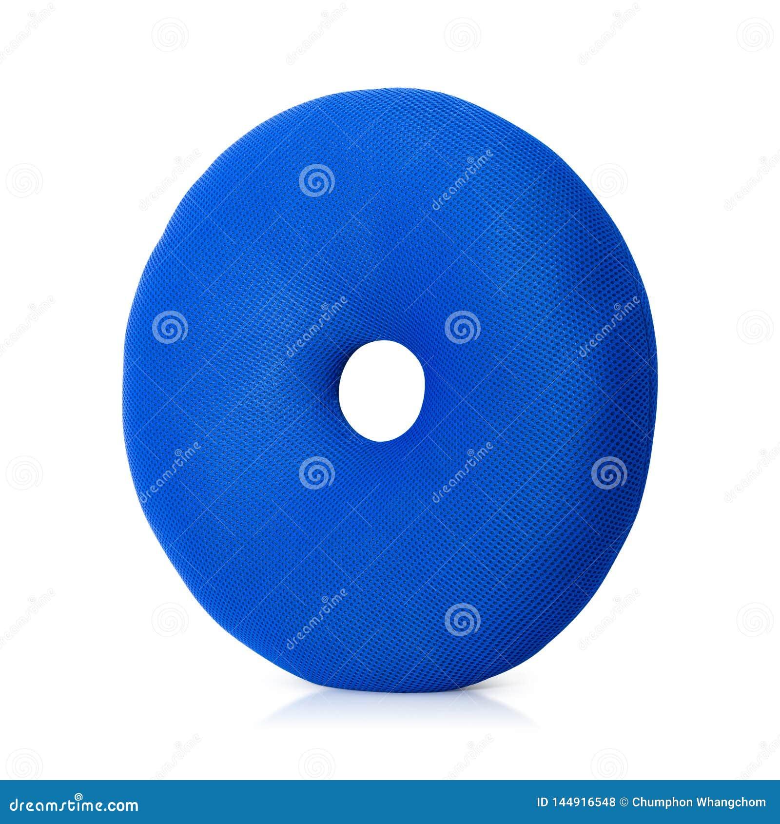 Il cuscino blu con le guarnizioni di gomma piuma modella isolato su fondo bianco Cuscini del pavimento nella forma rotonda Percor