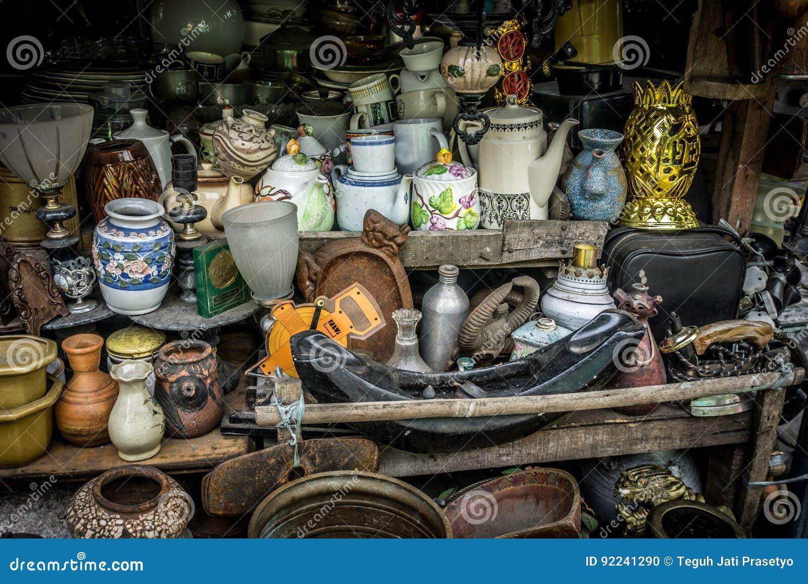 Il deposito dei ricordi vende le merci uniche Jakarta contenuta foto Indonesia