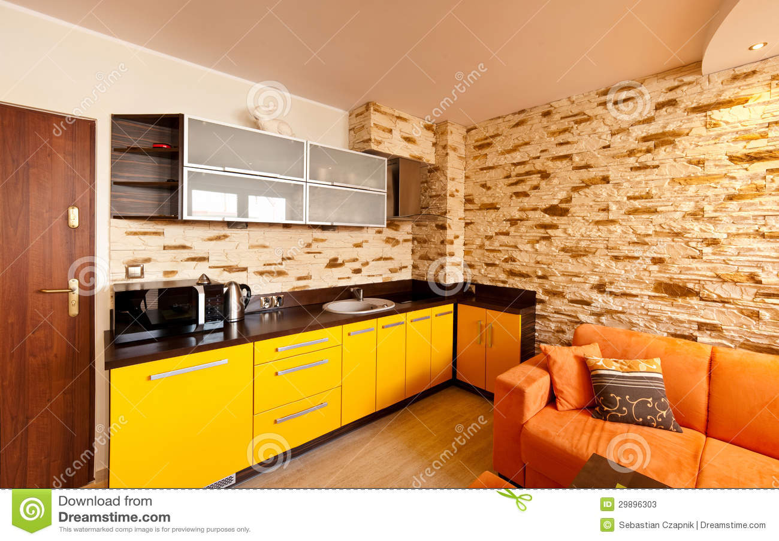 Cucina arancio della stanza immagine stock immagine di for Disegno cucina