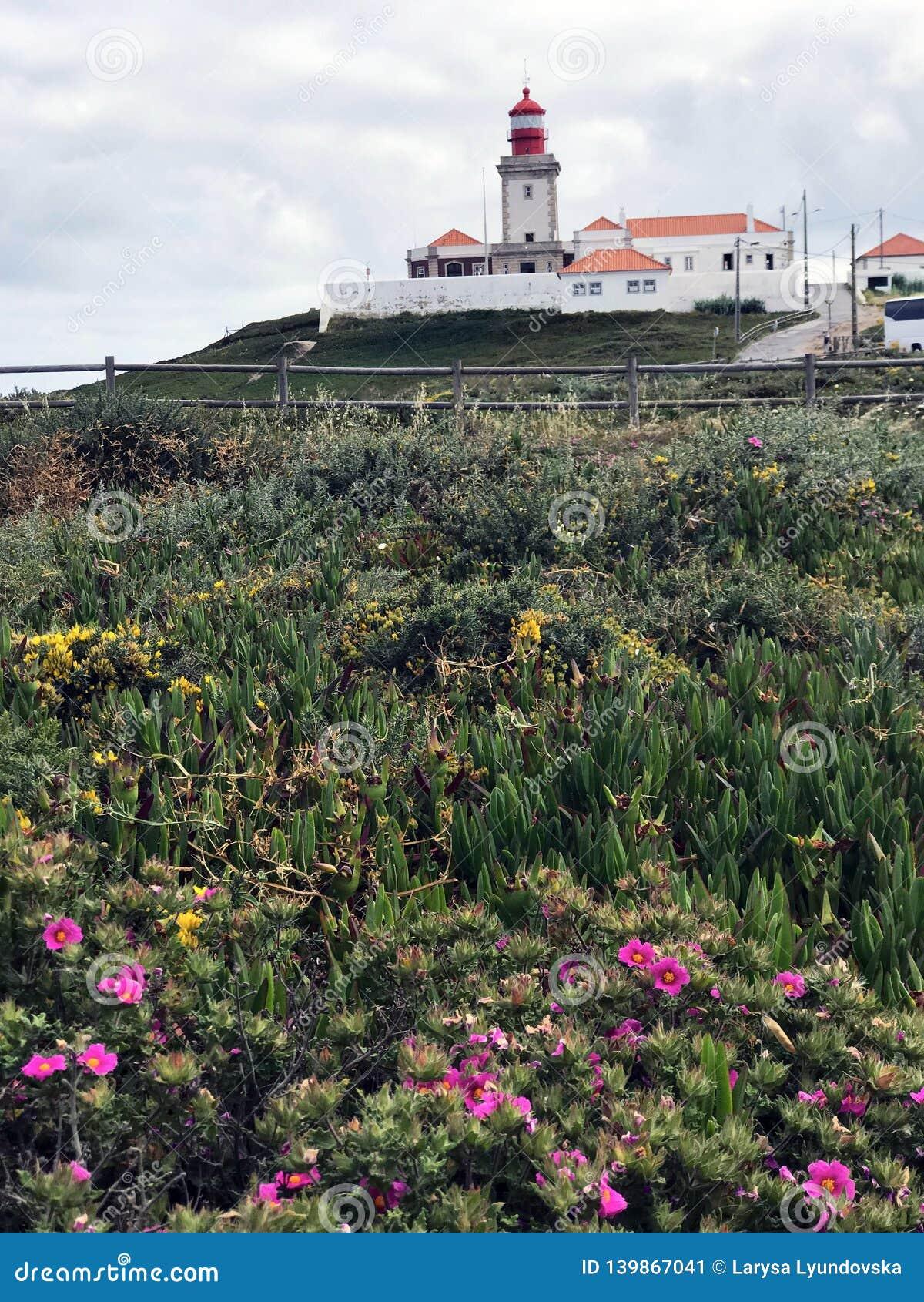 Il faro famoso e pittoresco di Cabo da Roca