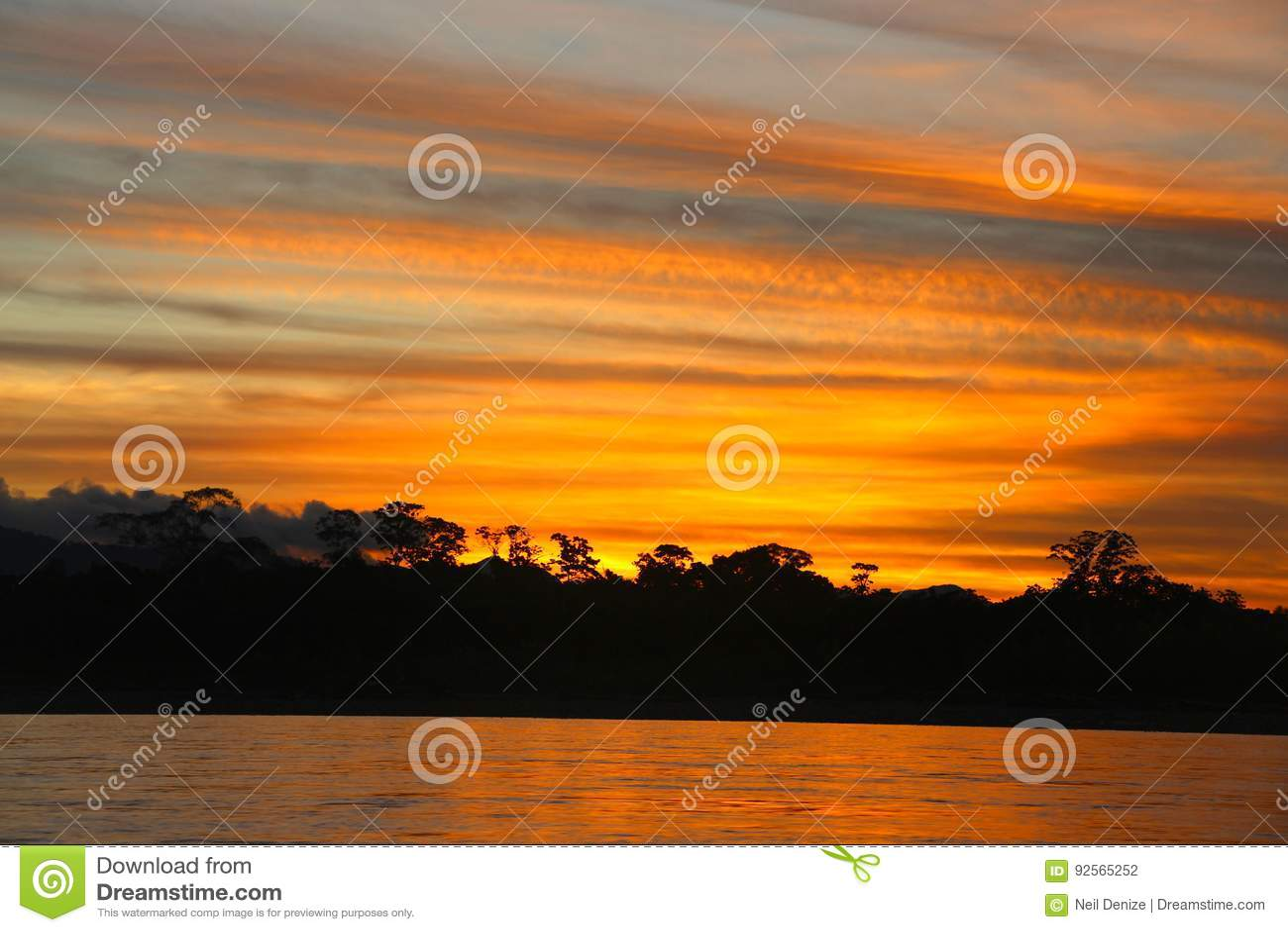 Il fiume di Beni sul tramonto