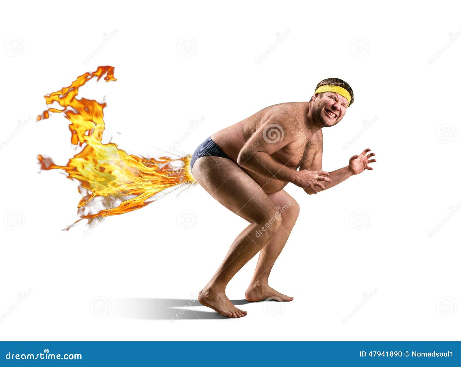 Il freak nudo scoreggia da fuoco