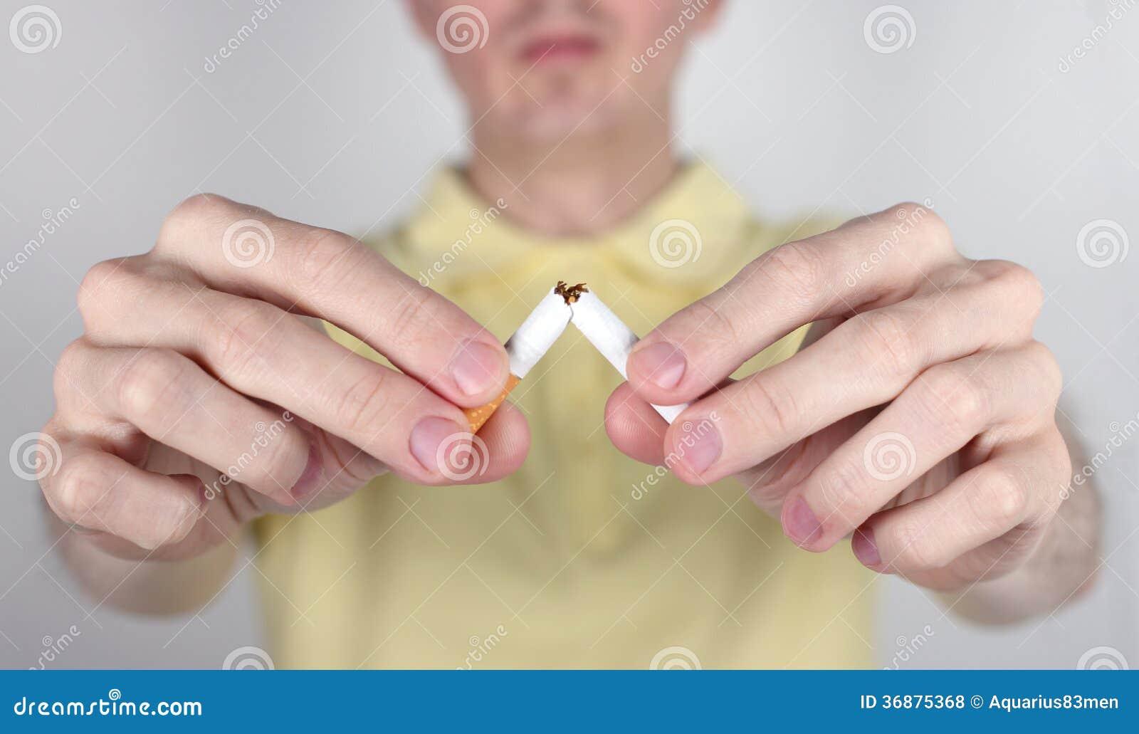 Download Il Fumo è Nocivo Alla Vostra Salute Fotografia Stock - Immagine di adulto, azioni: 36875368