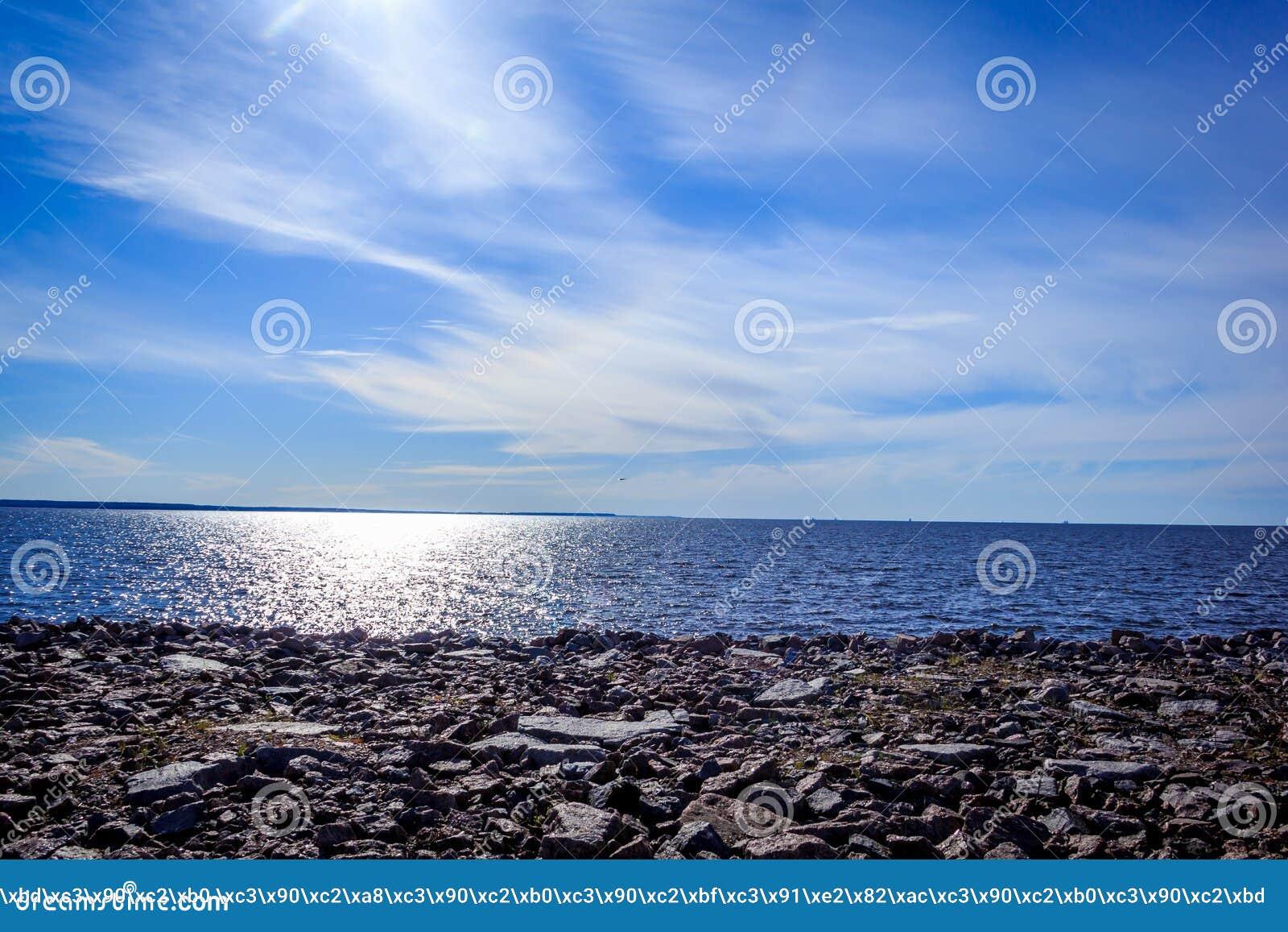 Il golfo di Finlandia alla luce di sera