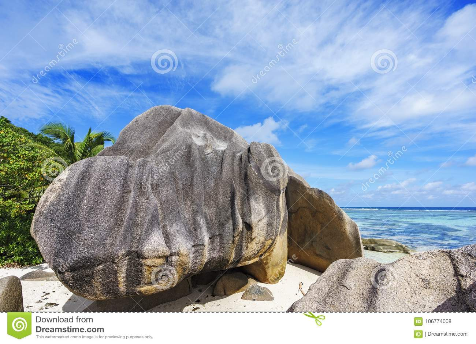 Il granito oscilla alla spiaggia, argento del ` di fonte d del anse, digue della La, Seychelles