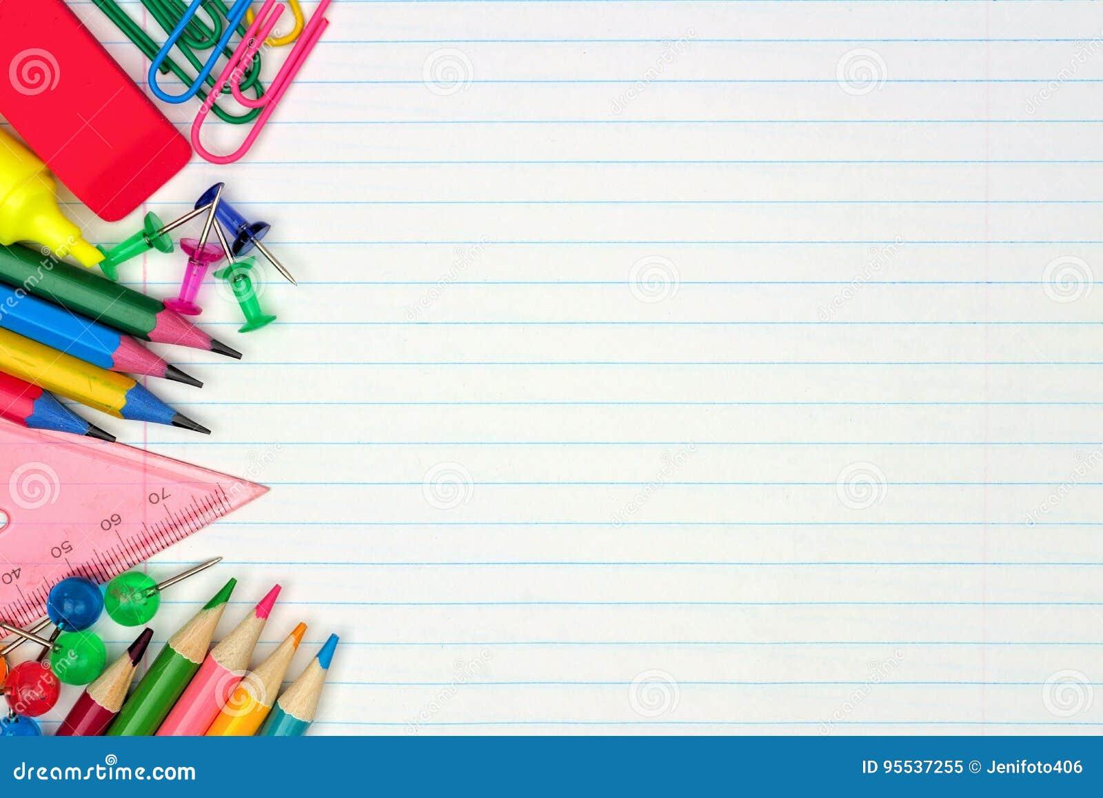 Il lato delle offerte di scuola rasenta il fondo di carta allineato