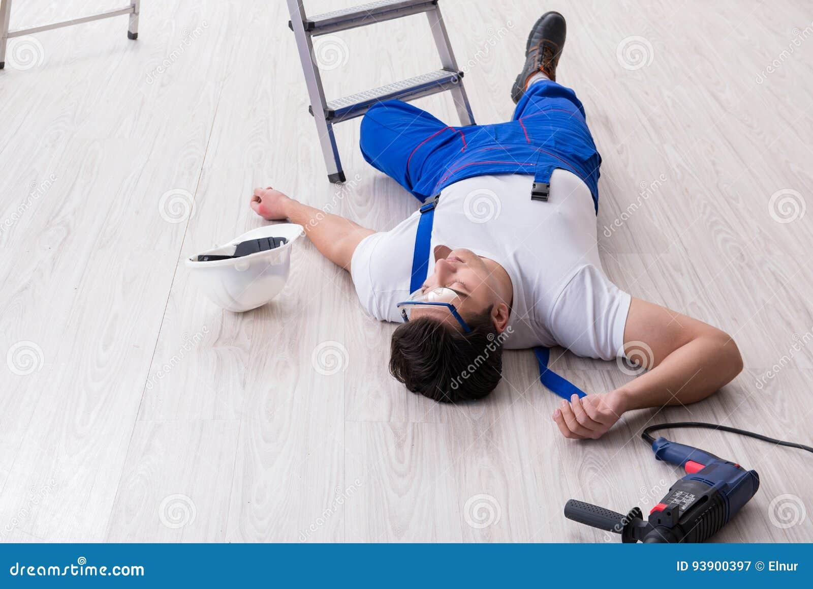Il lavoratore dopo la caduta dall altezza - comportamento pericoloso