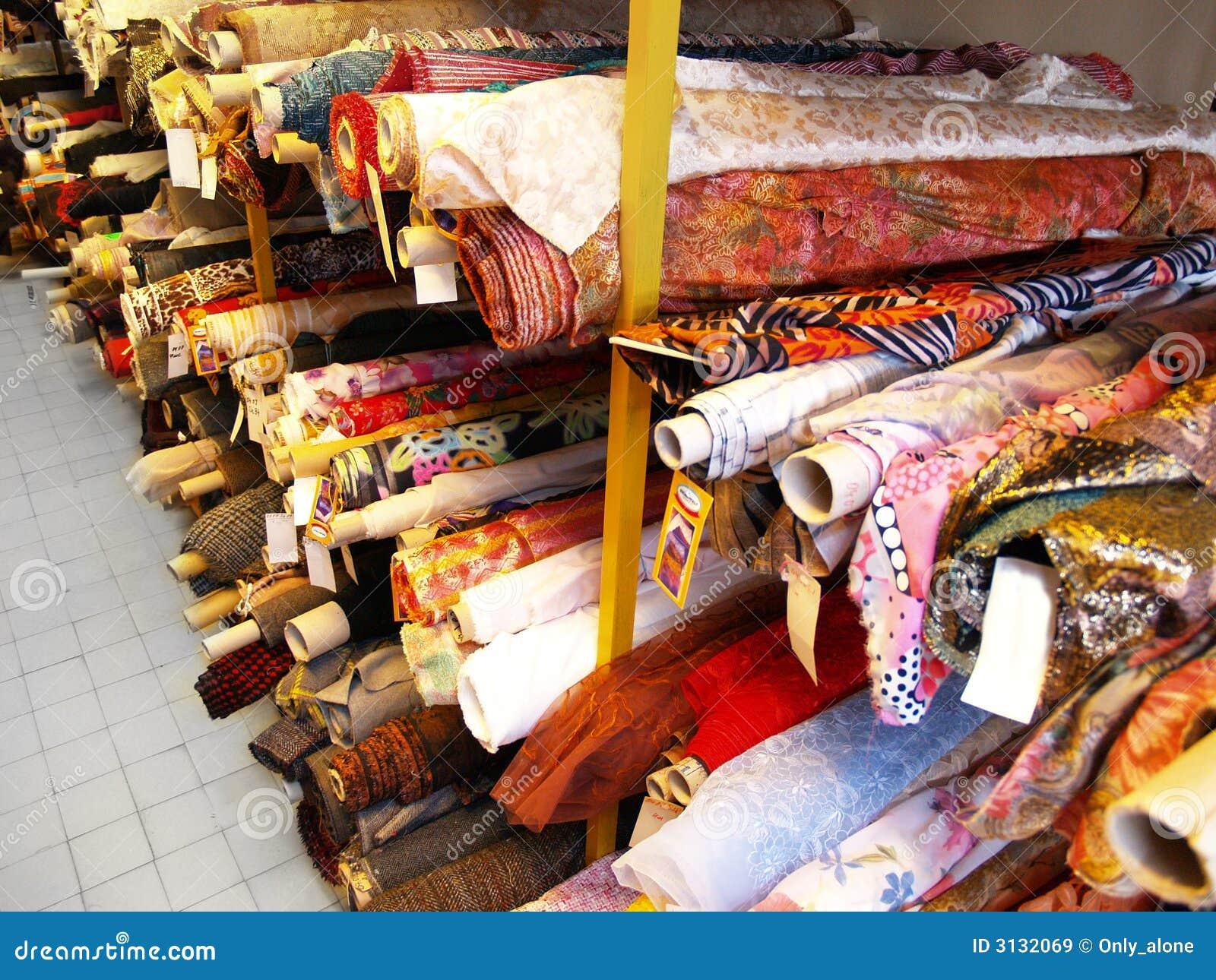 Il magazzino di tessuto