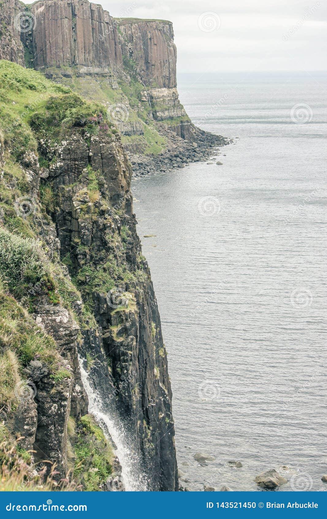 Il mare e Cliff In Scotland