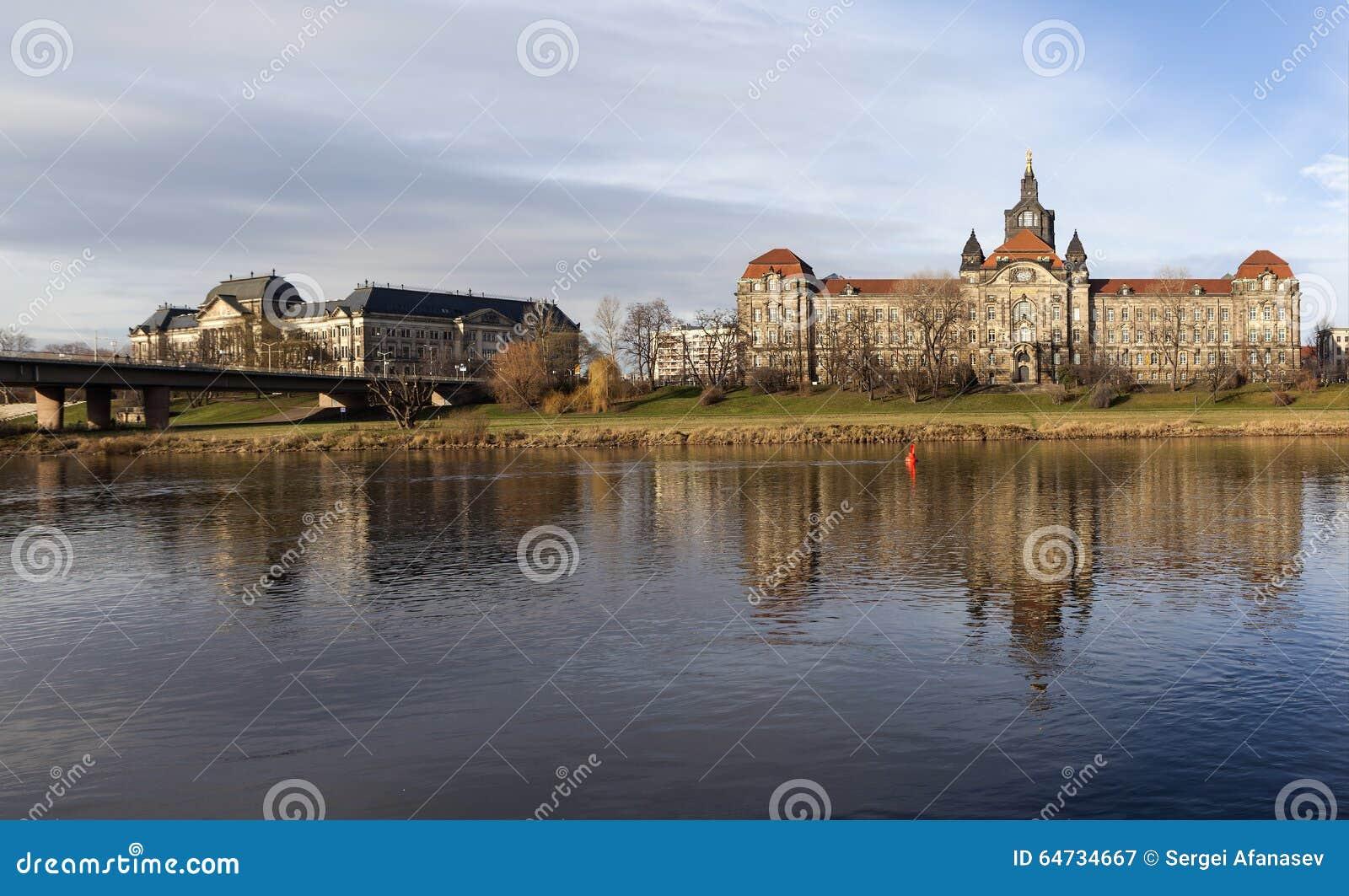 Il ministero delle finanze e la cancelleria dello stato della Sassonia dresda germany