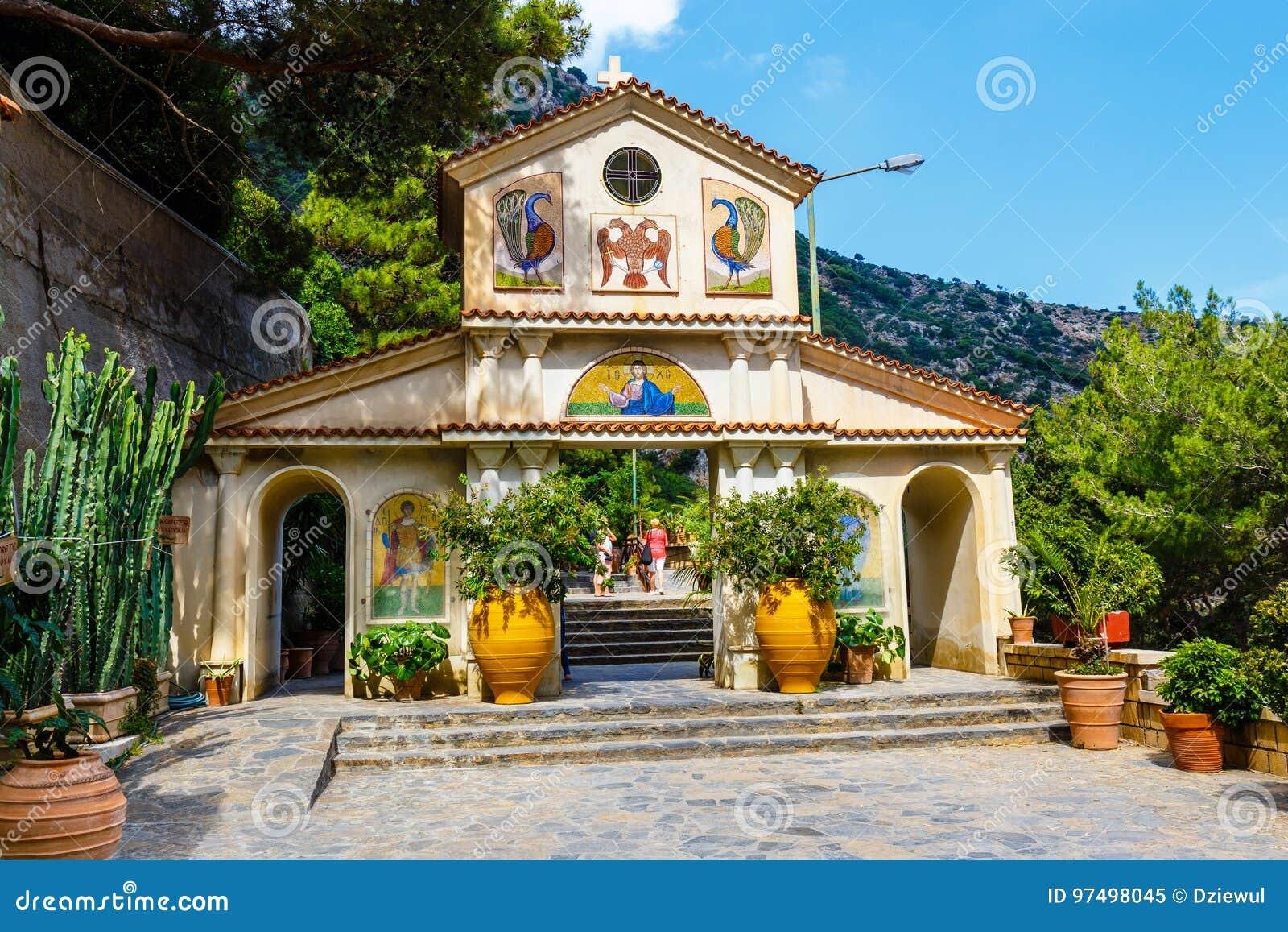 Il monastero Agios Georgios, situato nella gola di Selinari su Creta, la Grecia
