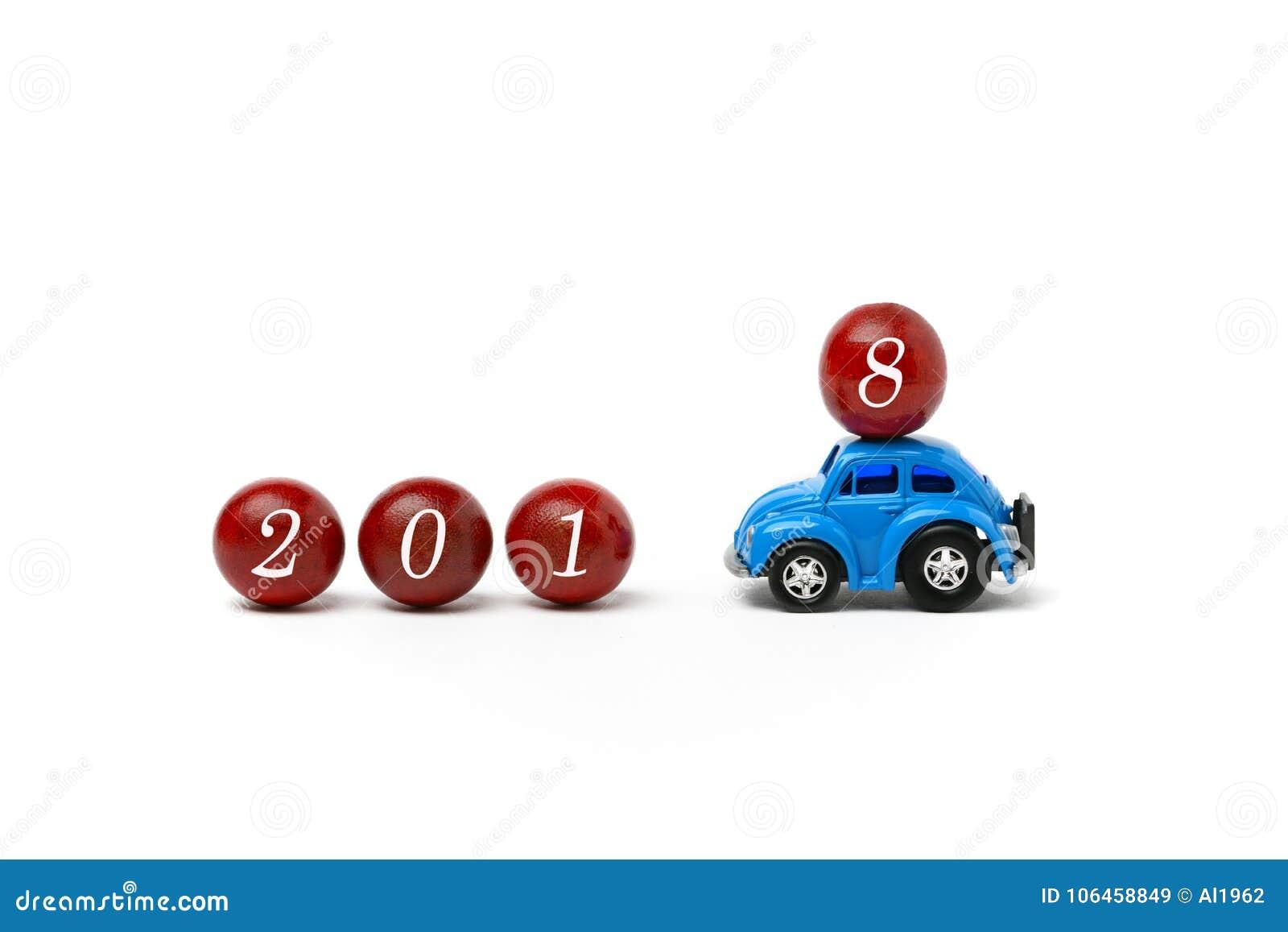 Il nuovo anno 2018 è - buon anno 2018 - automobile venente che porta