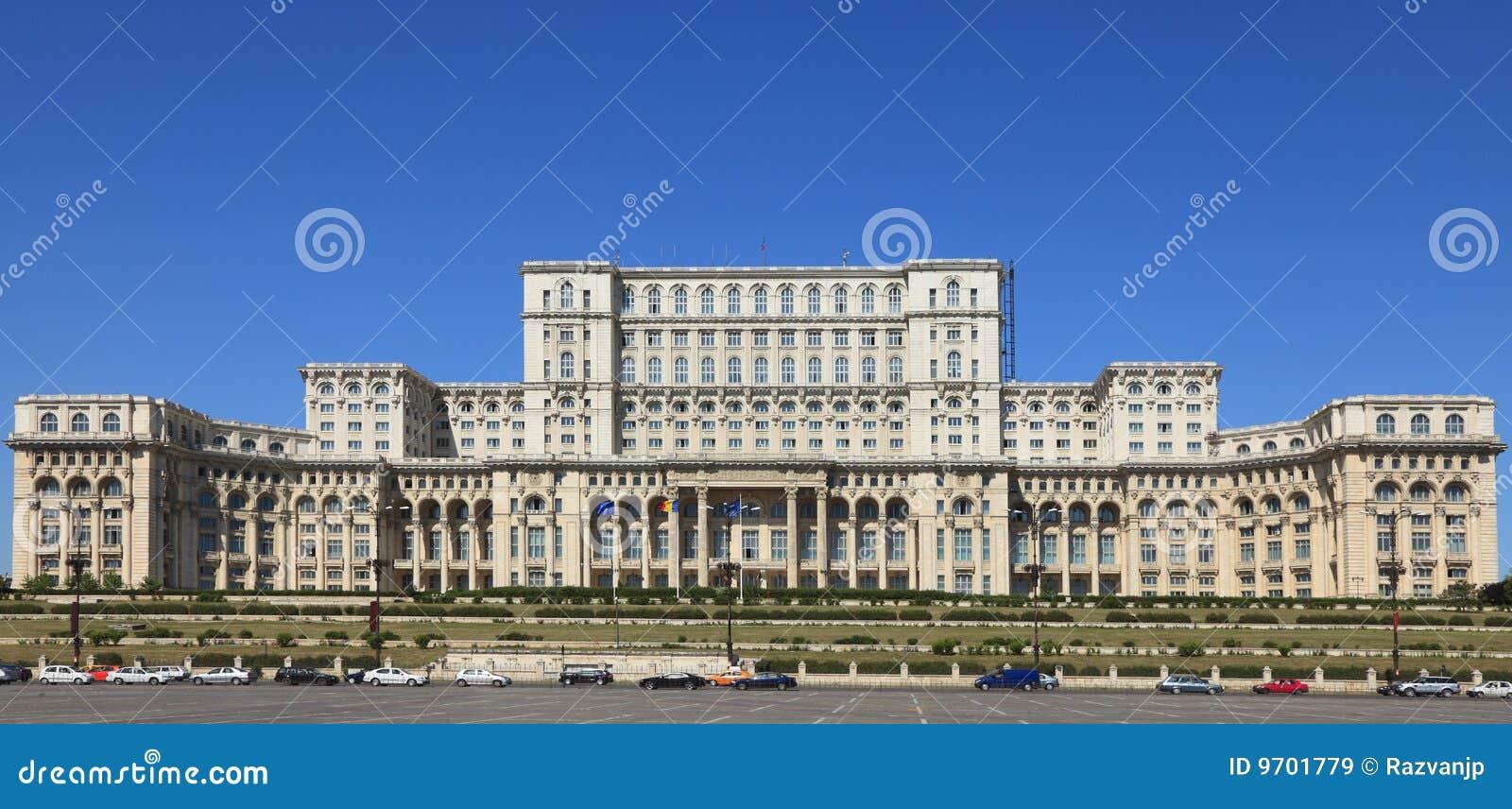 Il palazzo del parlamento bucarest romania immagine for Immagini del parlamento