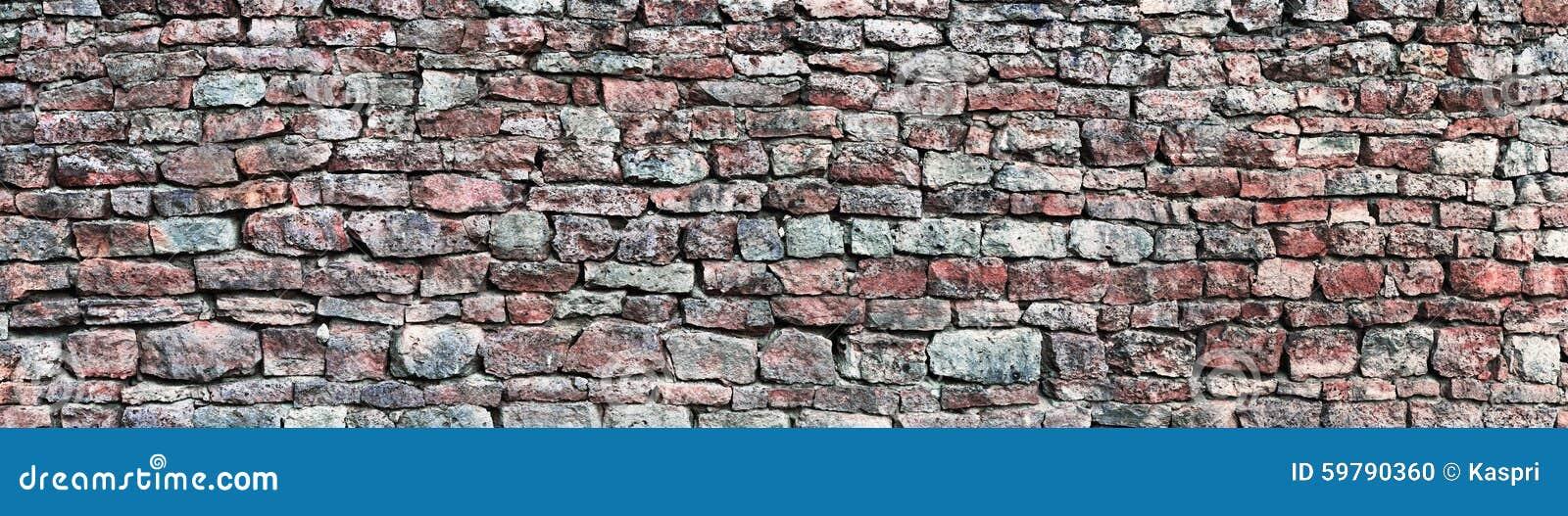 Il panorama della parete di pietra, panoramico mette il bastone tra le ruote il fondo del modello, la vecchia struttura rossa e g