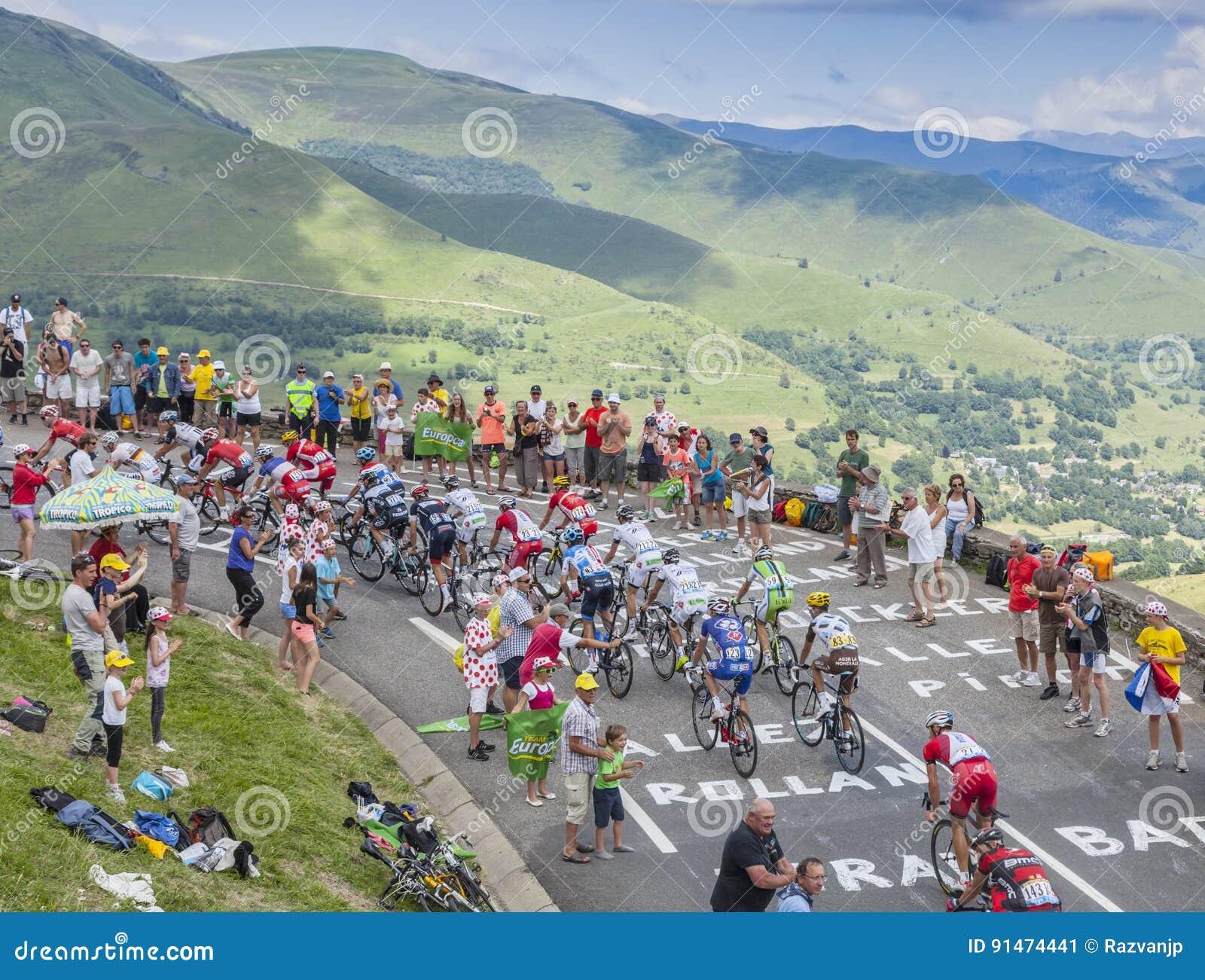 Il Peloton in montagne - Tour de France 2014