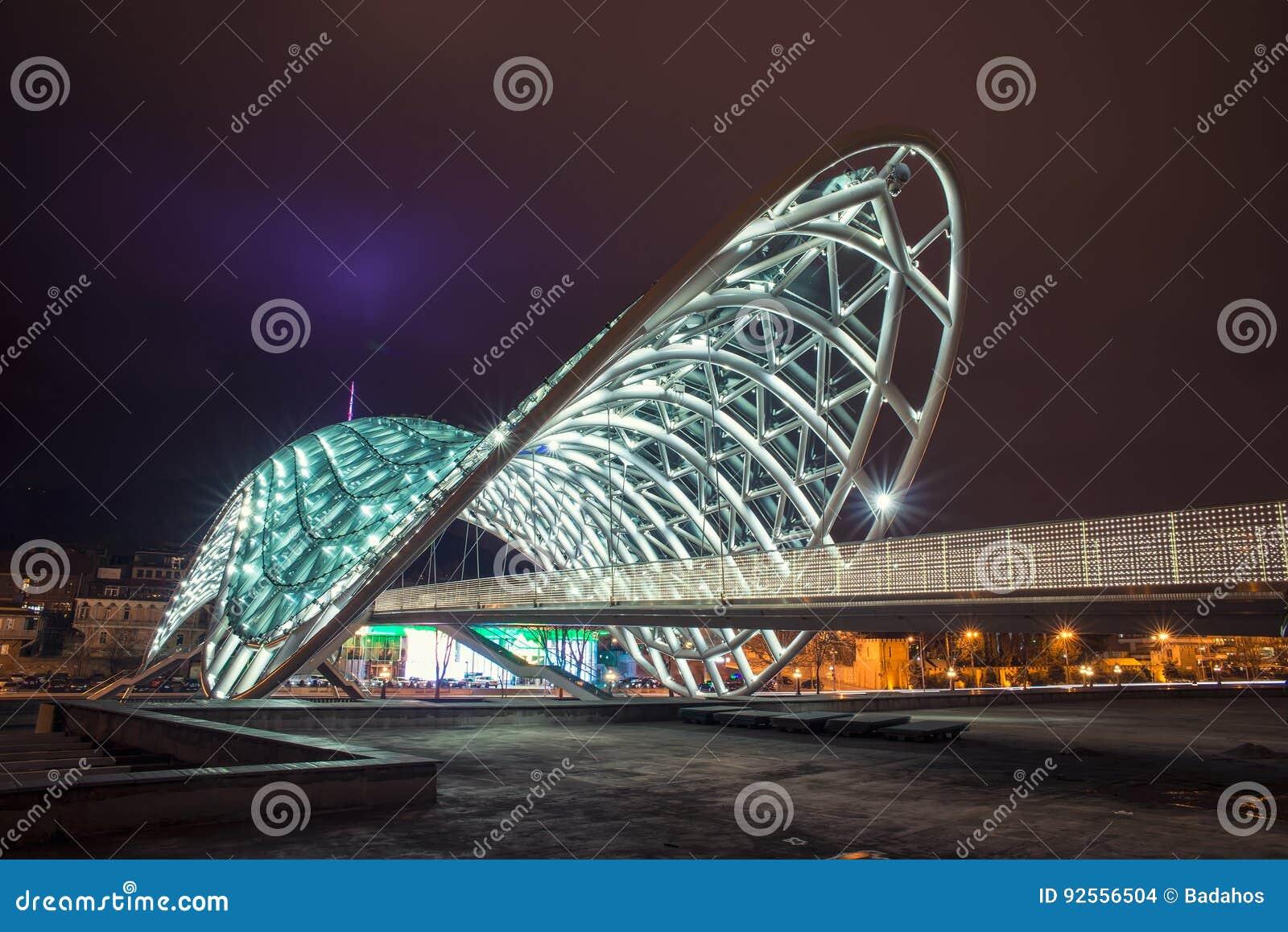 Il ponte di pace a Tbilisi
